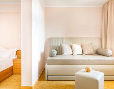 Camera familiare con balcone dell'albergo Malin