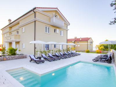 Luxury Villa Mande Malinska 5* Apartments