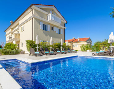 Luxury Villa Mande Malinska 5* Apartments