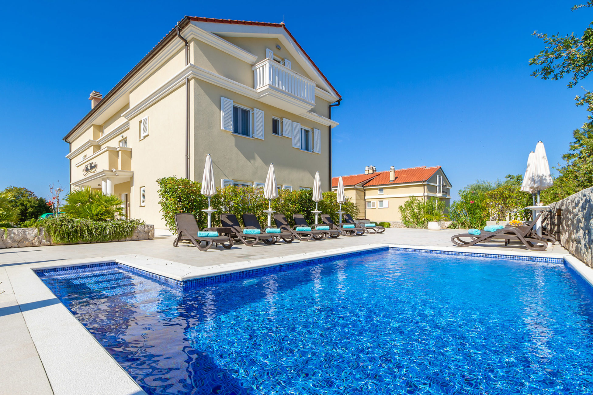 Malin Krk villas and apartments