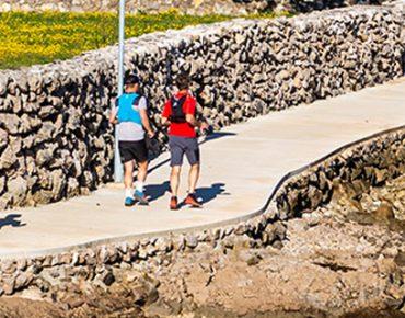 Trčanje uz obalu na otoku Krku